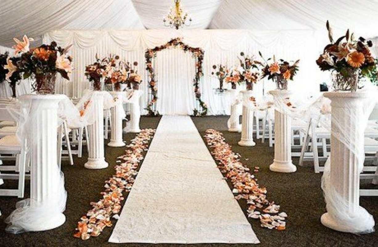 Колонны в свадебном декоре
